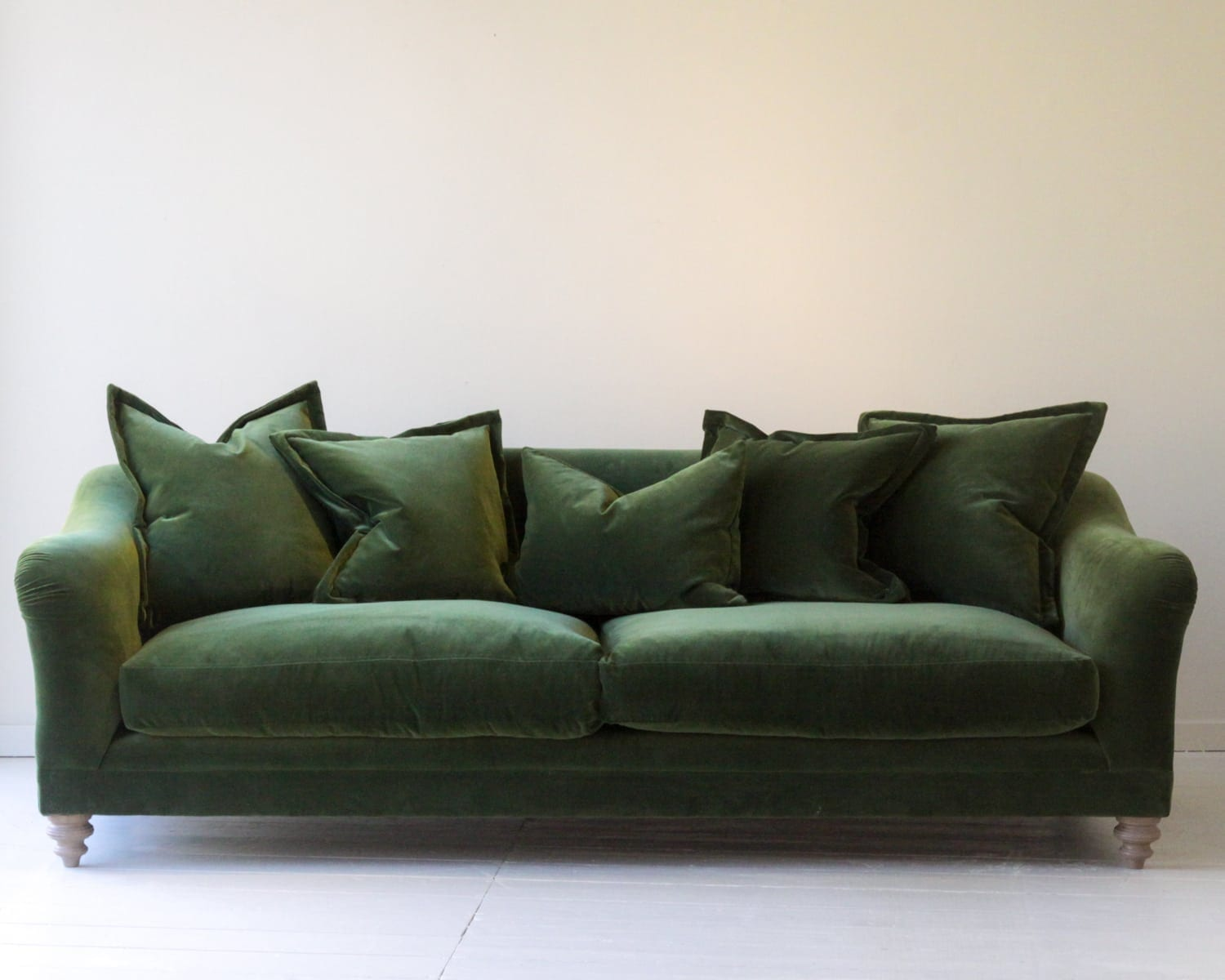 luxury-home-decor-velvet-green-sofa