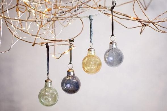 christmas-baubles-willow