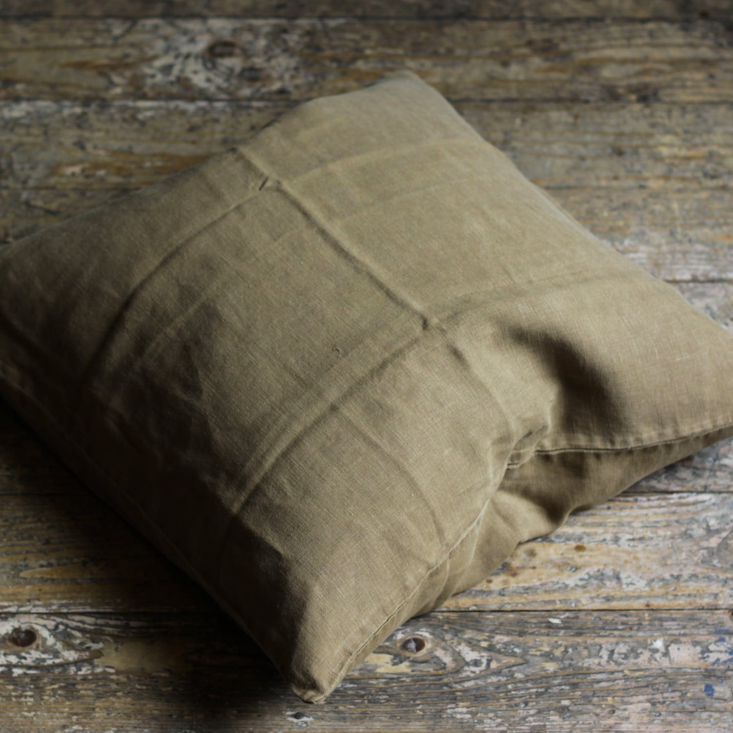 autumn-green-linen-cushion